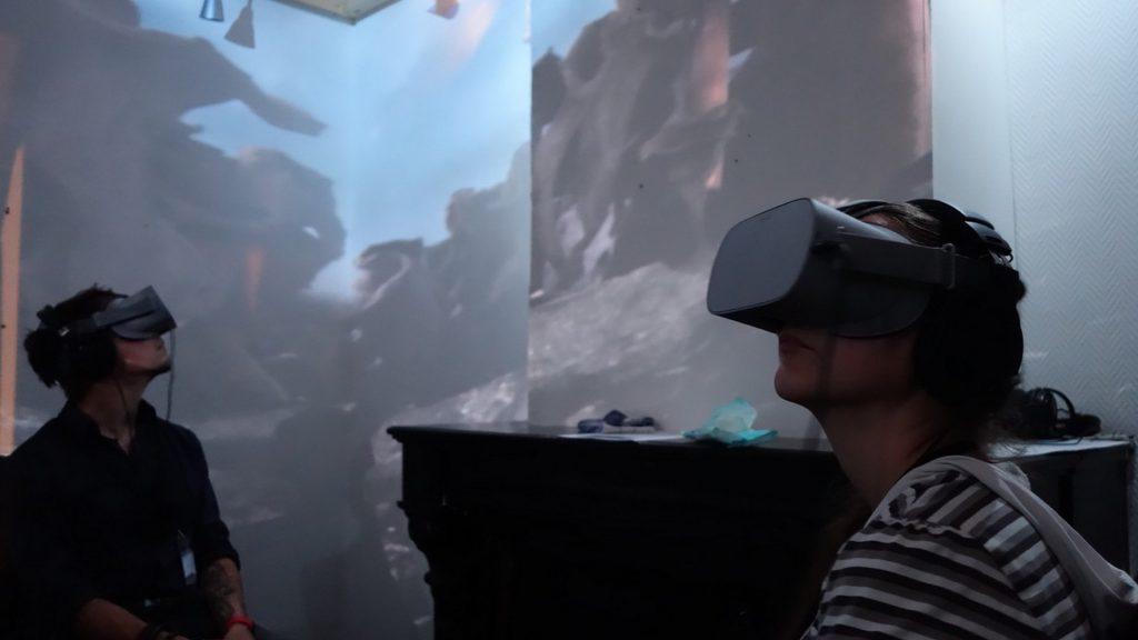 Location de casques de Réalité Virtuelle - L'hybride